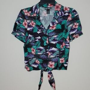 Hot Topic Womens Medium Floral Button Up Crop Top